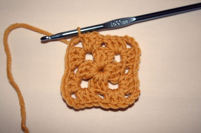 Granny Square Tutorial Second Round Slip Stitch