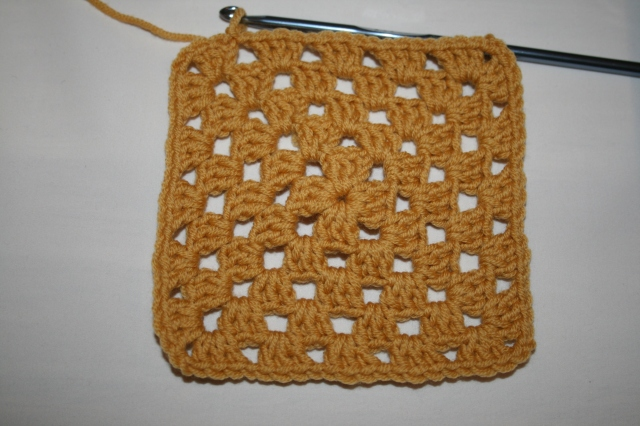 Granny Square Tutorial 5 rounds