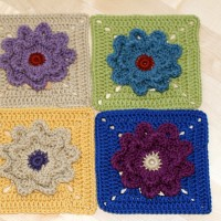 Flower Motif Blanket Square Tutorial