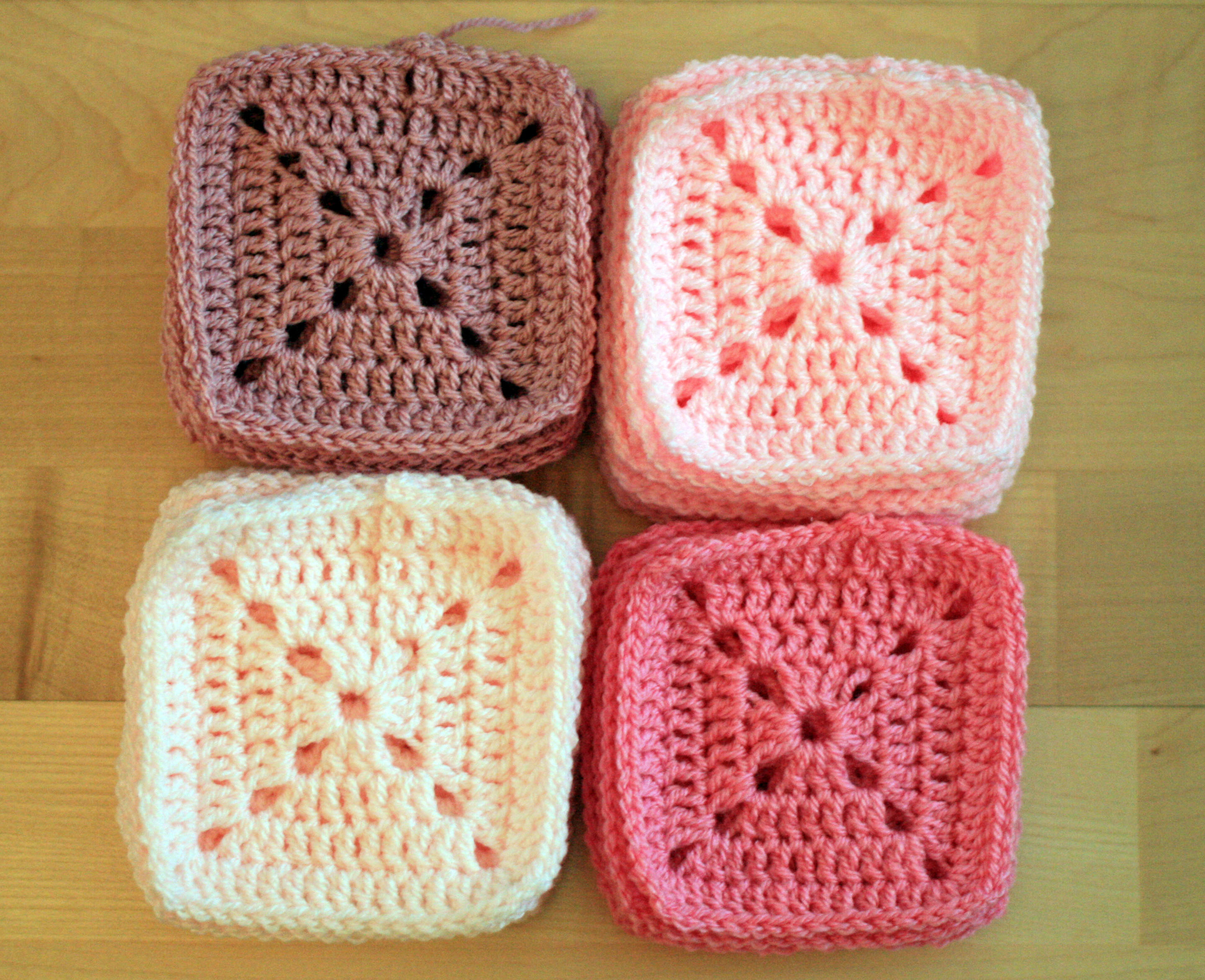 Crochet Patterns For Baby Blankets Squares : Crochet Baby Blanket Pretty In Pink