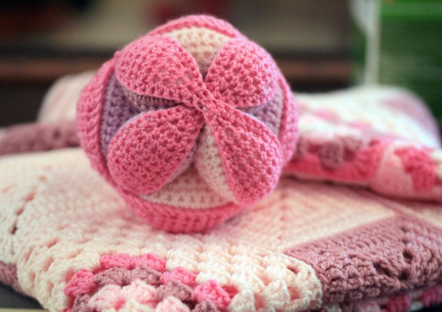 Amish Ball and Baby Blanket gift set