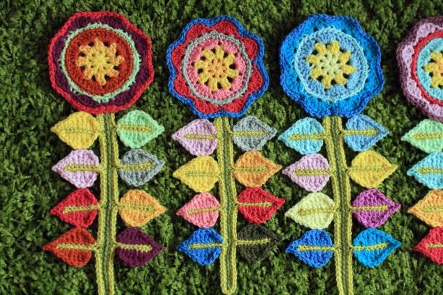 3 Crochet Happy Flowers