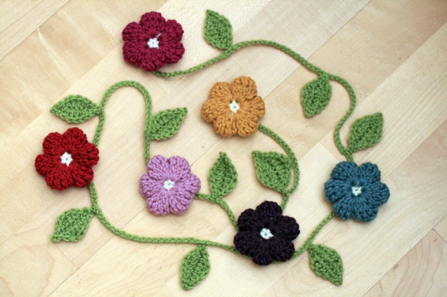 Crochet Leaf Garland1