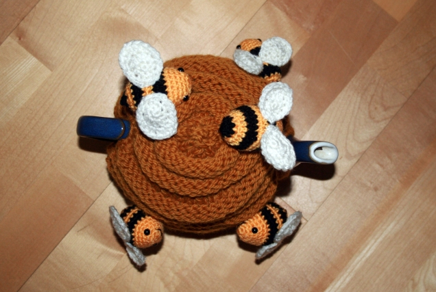 Knitted Behive Tea Cosy top