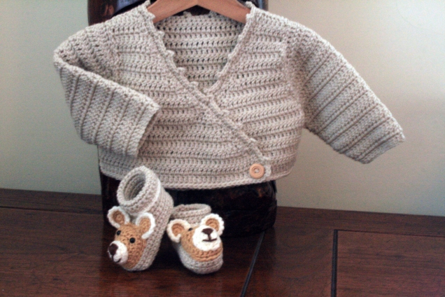 Crochet Baby Wrap Jumper and Teddy Booties 2